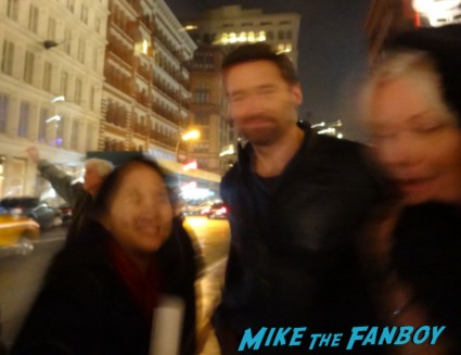 hugh jackman signing autographs for fans fan photo rare hot sexy wolverine star rare promo les miserables wolverine