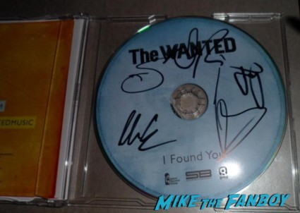 the wanted signed autograph cd rare signature Max George fan photo hot sexy rare the wanted band member rare promo shaved head hot photo sexy photo boy band Siva Kaneswaran Jay McGuiness Tom Parker Nathan Sykes