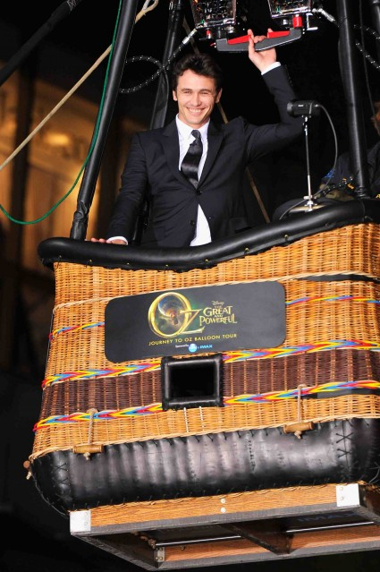 "Premiere Of ""Oz The Great And Powerful"" james franco red carpet promo hot sexy star"