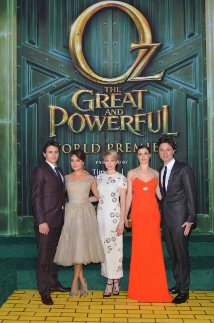 "Premiere Of ""Oz The Great And Powerful"" james franco zach braff mila kunis michelle williams red carpet promo hot sexy star"