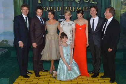 """Premiere Of """"Oz The Great And Powerful"""" james franco zach braff mila kunis michelle williams red carpet promo hot sexy star"""