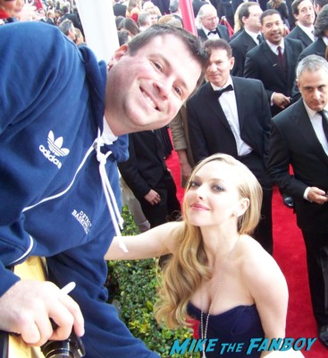 amanda seyfried on the red carpet fan photo  signing autographs at the sag awards on the red carpet at the sag awards red carpet rare anne hathaway waving to fans at the sag awards red carpet 19th annual rare sexy morena baccarin on the 19th annual sag awards red carpet with hugh jackman ben affleck jennifer garner rare promo hot