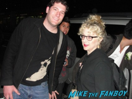 Fanboy Mike posing for a fan photo with carol kane from Scrooged rare signing autographs rare promo