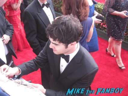 sexy darren criss signing autographs at the sag awards on the red carpet at the sag awards red carpet rare anne hathaway waving to fans at the sag awards red carpet 19th annual rare sexy morena baccarin on the 19th annual sag awards red carpet with hugh jackman ben affleck jennifer garner rare promo hot