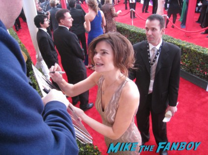 breaking bad stars  signing autographs at the sag awards on the red carpet at the sag awards red carpet rare anne hathaway waving to fans at the sag awards red carpet 19th annual rare sexy morena baccarin on the 19th annual sag awards red carpet with hugh jackman ben affleck jennifer garner rare promo hot