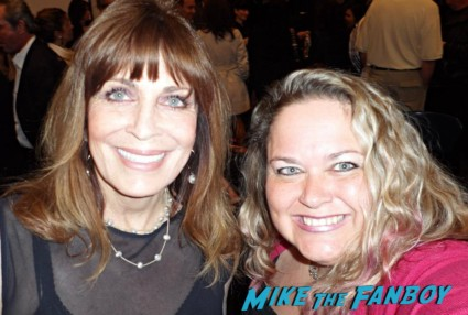 Linda Gray fan photo rare promo signing autographs for fans dallas star
