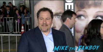 jon favreau arriving at the identity thief world movie premiere red carpet jason bateman melissa mccarthy (3)