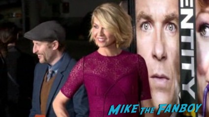 jenna elfman arriving on the red carpet at the identity thief world movie premiere red carpet jason bateman melissa mccarthy (3)