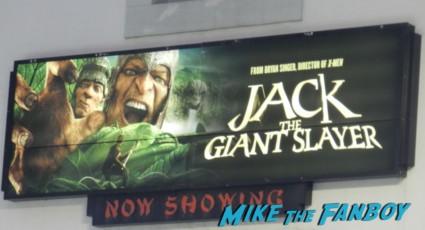 jack the giant slayer movie premiere nicholas holt hot ewan brem 006