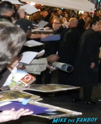 danny elfman signing autographs at the OZ The Great And Powerful Movie Premiere red carpet hot air balloon rare james franco rare promo el capitan theater los angeles oz great and powerful movie premiere 002