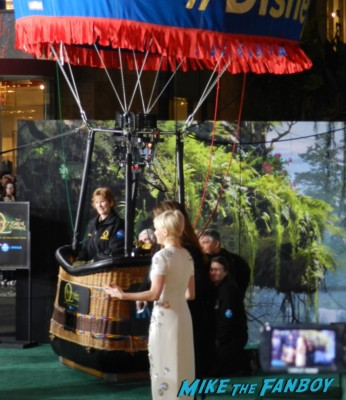 oz great and powerful movie premiere red carpet Michelle Williams! James Franco! Rachel Weisz! Mila Kunis!
