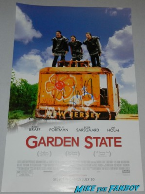 Zach Braff signed autograph garden state promo mini poster signing autographs at the OZ The Great And Powerful Movie Premiere red carpet hot air balloon rare james franco rare promo el capitan theater los angeles oz great and powerful movie premiere 002