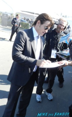 dermot mulroney signing autographs at the The Independent Spirit Awards 2013! Drama! Insanity! With Jennifer Lawrence! Daniel Radcliffe! Matthew McConaughey! Ellen Page! Jason Bateman! Salma Hayek! Kerry Washington! Bradley Cooper! Chris Tucker! Sam Rockwell! Zoe Saldana! Paul Rudd! And So Much More! Autographs! Photos! And More!