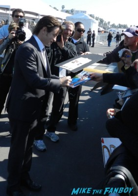dermot mulroney signing autographs at the The Independent Spirit Awards 2013! Drama! Insanity! With Jennifer Lawrence! Daniel Radcliffe! Matthew McConaughey! Ellen Page! Jason Bateman! Salma Hayek! Kerry Washington! Bradley Cooper! Chris Tucker! Sam Rockwell! Zoe Saldana! Paul Rudd! And So Much More! Autographs! Photos! And More!