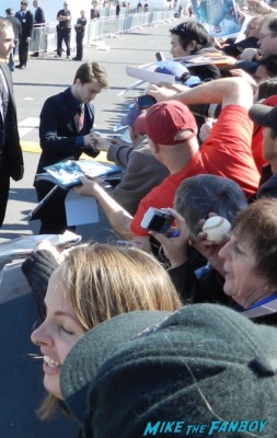 daniel radcliffe signing autographs at the The Independent Spirit Awards 2013! Drama! Insanity! With Jennifer Lawrence! Daniel Radcliffe! Matthew McConaughey! Ellen Page! Jason Bateman! Salma Hayek! Kerry Washington! Bradley Cooper! Chris Tucker! Sam Rockwell! Zoe Saldana! Paul Rudd! And So Much More! Autographs! Photos! And More!