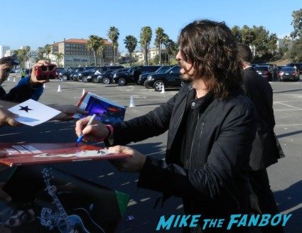 dave grohl signing autographs at the The Independent Spirit Awards 2013! Drama! Insanity! With Jennifer Lawrence! Daniel Radcliffe! Matthew McConaughey! Ellen Page! Jason Bateman! Salma Hayek! Kerry Washington! Bradley Cooper! Chris Tucker! Sam Rockwell! Zoe Saldana! Paul Rudd! And So Much More! Autographs! Photos! And More!ng autographs spirit awards 2013 daniel radcliffe salma hay 033
