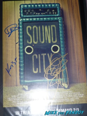 foo fighters sound city movie poster dave grohl taylor hawkins Krist Novoselic  signed autograph rare pormo sound city movie premiere red carpet foo fighters signing autographs (7)