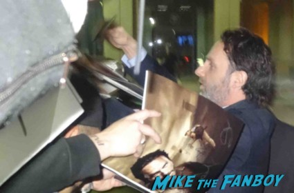 Andrew lincoln signing autographs for fans rare the walking dead signed autograph photo rare love actually promo an evening with the walking dead