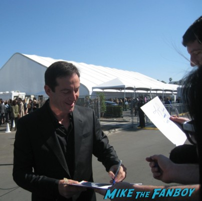 jason isaacs hot signing autographs for fans at the spirit awards 2013 rare rushmore signed autograph rare promo