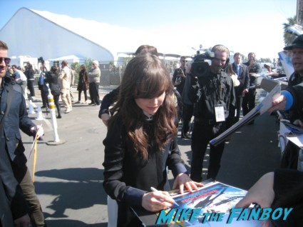 ellen page signing autographs for fans at the spirit awards 2013 rare rushmore signed autograph rare promo
