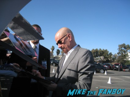 bryan cranston signing autographs for fans at the spirit awards 2013 rare rushmore signed autograph rare promo