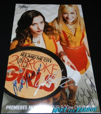 2 broke girls cast signed poster kat dennings beth behrs jennifer coolidge garrett morrison 2 broke girls paleyfest 2013 kat dennings hot sexy signing autog 167