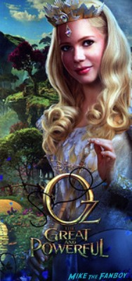 Michelle Williams signed autograph poster Michelle Williams signing autographs for fans at the oz the great and powerful london movie premiere