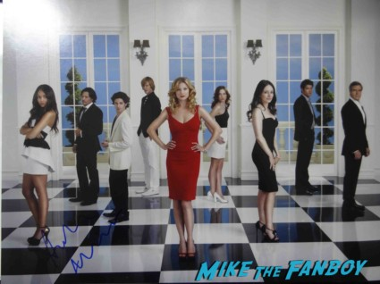 Ashley Madekwe signed autograph revenge cast photo promo   signing autographs for fans Revenge cast premiere With Emily VanCamp! Gabriel Mann! Henry Czerny! Ashley Madekwe! Nick Wechsler! Joshua Bowman! Christa B. Allen! Autographs! Photos !