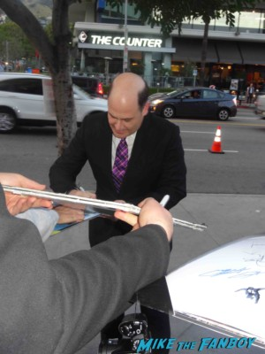 matthew weiner signing autographs at the mad men season 6 premiere in hollywood