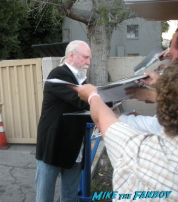 scott wilson from the walking dead signing autographs at the paleyfest 2013 panel rare promo the walking dead paleyfest panel 2013 rare lineup