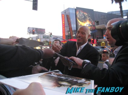 "dwayne the rock johnson signing autographs for fans G.I. Joe: Retaliation Movie Premiere Photo Gallery! A Miracle Happened! Bruce Willis Picked Up A Sharpie! Say Wha!?! With Dwayne ""The Rock"" Johnson! Byung-hun Lee! Luke Bracey! Autographs! Photos! And More! G.I. Joe_March 2013 001"