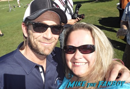 Luke Perry fan photo signing autographs for fans rare promo 90210 star