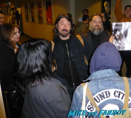 Dave Grohl signing autographs for fans hot rare sound city q and a promo hot foo fighters lead singer