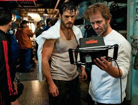 Henry Cavill hot sexy muscle man of steel promo photo tank top wife beater superman behind the scenes still rare promo sex