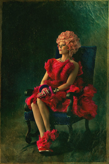 Elizabeth Banks Effie trinket capital portrait movie poster promo hunger_games_catching_fire_ver10