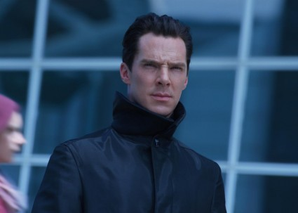 Benedict Cumberbatch  rare hot sexy StarTrekIntoDarkness-app-photo2