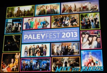 paleyfest 2013 slide rare promo hot arrow paleyfest stephen amell signing autographs shirtless poste 003