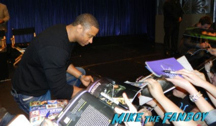 david ramsey signing autographs for fans hot sexy rare promo arrow star naked shirtless rare promo signed autograph shirtless naked arrow mini poster rare promo  paleyfest stephen amell signing autographs shirtless poste 174katie cassidy amell signing autographs for fans hot sexy rare promo arrow star naked shirtless rare promo signed autograph shirtless naked arrow mini poster rare promo  paleyfest stephen amell signing autographs shirtless poste 174