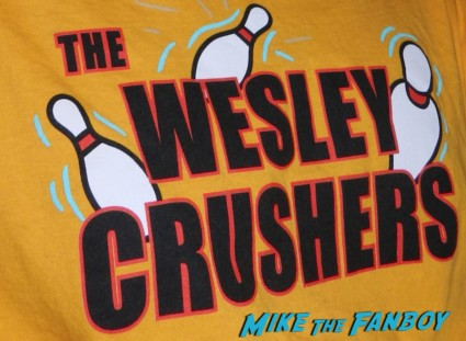 wesley crushers t-shirt rare promo logo big-bang-theory-paleyfest-2013-signing-autographs-kaley-cuoco-003