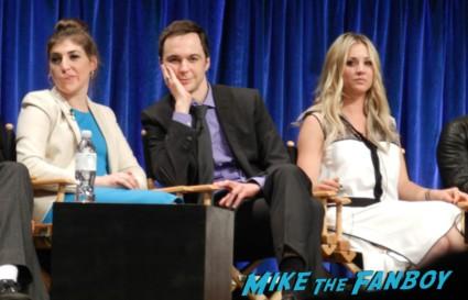 Paleyfest 2013! The Big Bang Theory Panel! With Jim Parsons! Johnny Galecki! Kaley Cuoco! Simon Helberg! Kunal Nayyar! Mayim Bialik! Melissa Rauch! Autographs! Photos! More! big bang theory paleyfest 2013 signing autographs kaley cuoco 150