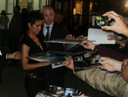 halle berry sexy hot signing autographs for fans