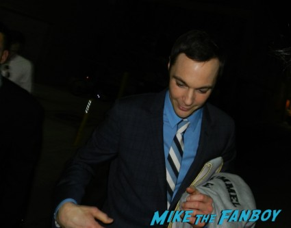 jim parsons signing autographs for fans big bang theory star signed autograph promo rare hot sheldon cooper