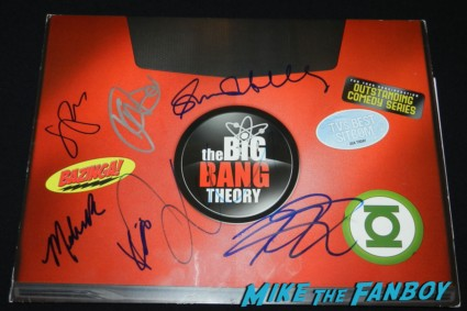 jim parsons signed autograph emmy promo laptop johnny galecki kaley cucco simon helberg jim parsons signing autographs for fans big bang theory 025