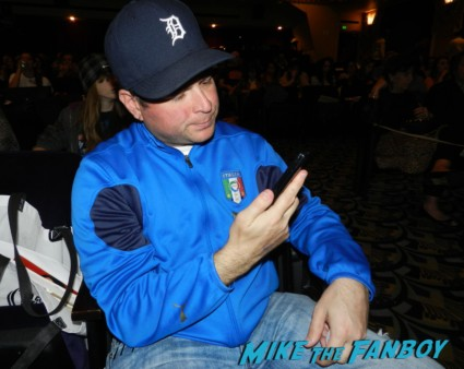 billy beer from mike the fanboy giving attitude to me at the once upon a time paleyfest 2013 panel ginnifer goodwin hot 001