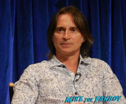 robert carlyle at the once upon a time paleyfest 2013 panel ginnifer goodwin hot 024