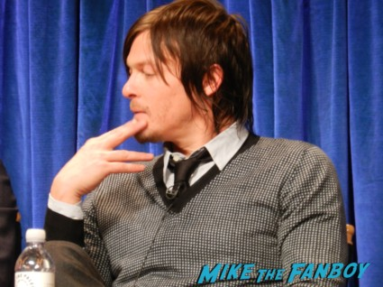 norman reedus at the the walking dead paleyfest 2013 panel signing autographs norman 058