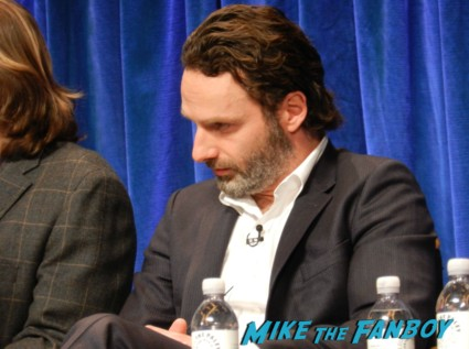andrew lincoln at the the walking dead paleyfest 2013 panel signing autographs norman 058