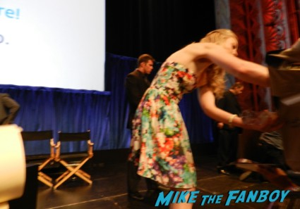 Emily Kinney signing autographs at the walking dead paleyfest 2013 panel signing autographs norman 058