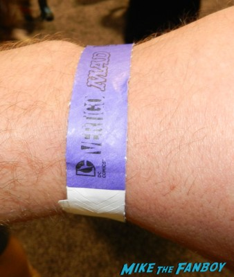 wristbnd for the lego batman signing wondercon 2013 cosplay costumes convention floor rare 023