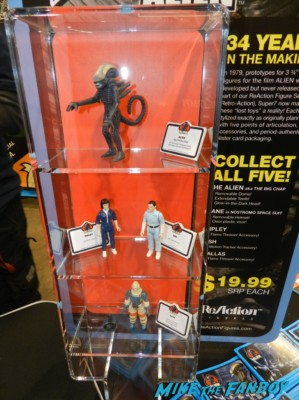 reacton series of alien action figures from 1979 wondercon 2013 cosplay costumes convention floor rare 027